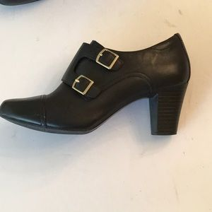 CLARKS black leather bootie shoes